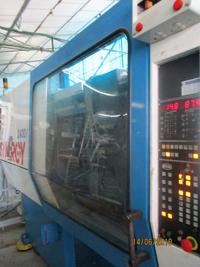 Inyectora de 240t NETSTAL Synergy 2400 DSP2 900SYN 1999